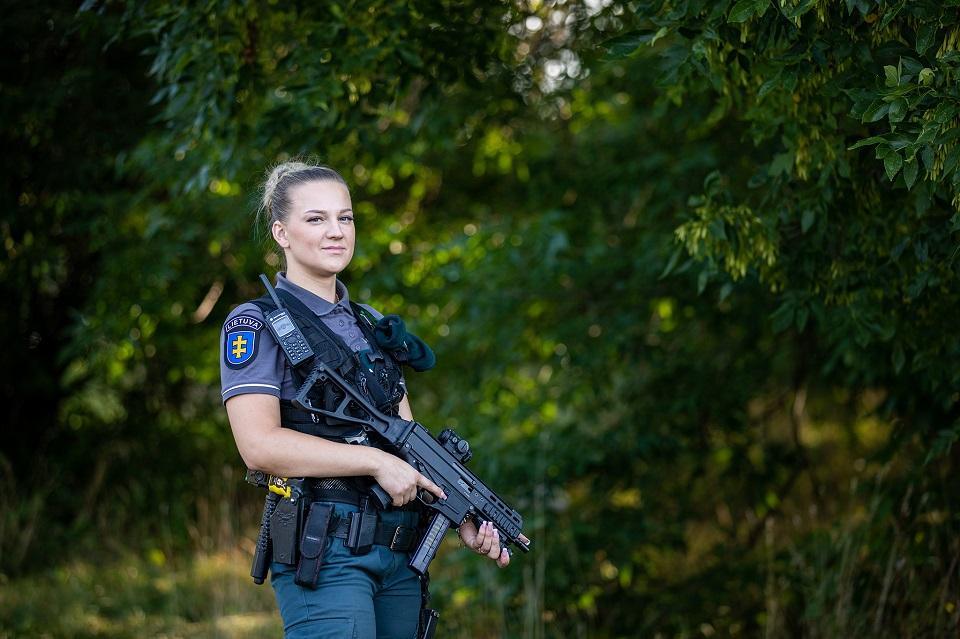Pareigūnė Gerda šokius iškeitė į policininkės uniformą