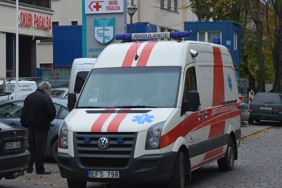 Tirs Klaipėdos greitosios pagalbos darbuotojo elgesį
