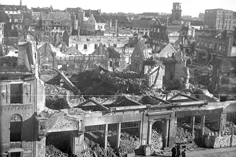 Metas, kai Klaipėda buvo barbariškai niokojama