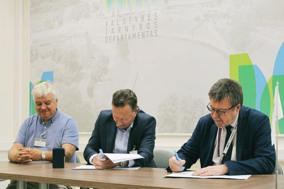 Klaipėdos universitetas bendradarbiaus su Valstybės tarnybos departamentu