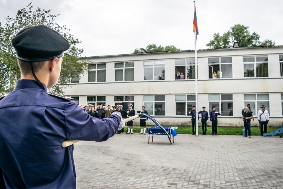 Išskirtinėje Klaipėdos jūrų kadetų mokykloje pasipylė problemos