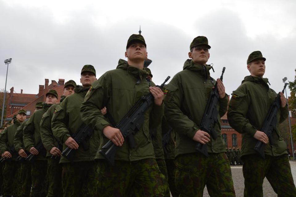Mokiniams – tradicinis konkursas apie kariuomenę