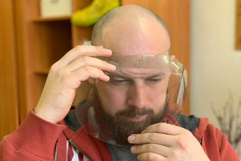 Klaipėdoje pradėjo gaminti apsauginius veido skydus