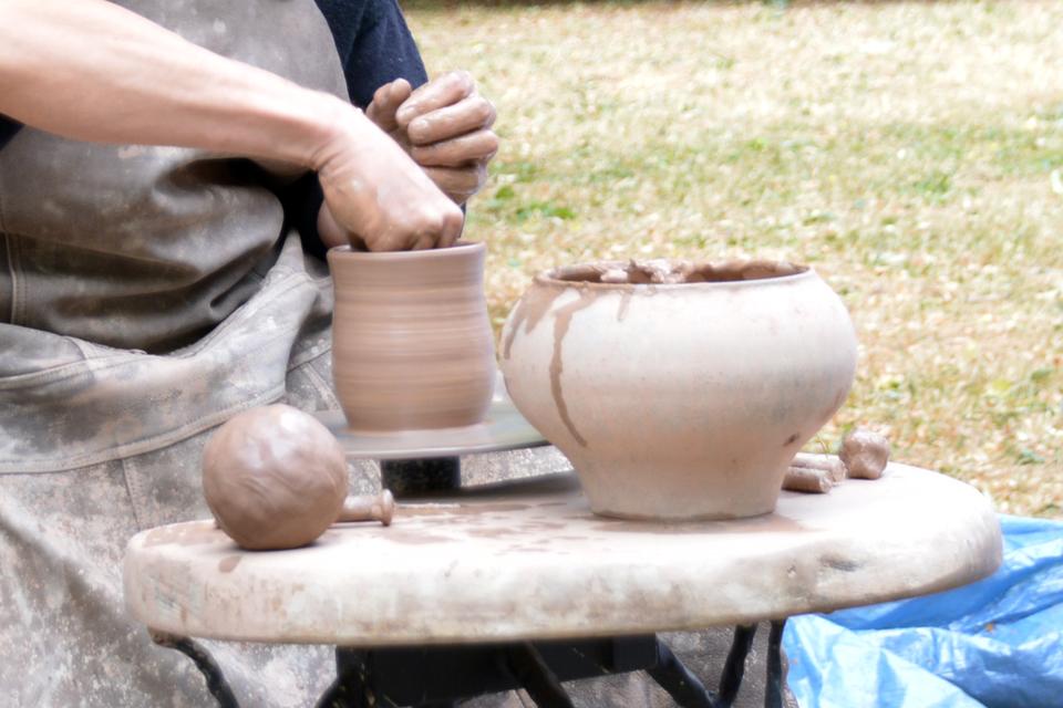 Rengs juodosios keramikos dirbtuves