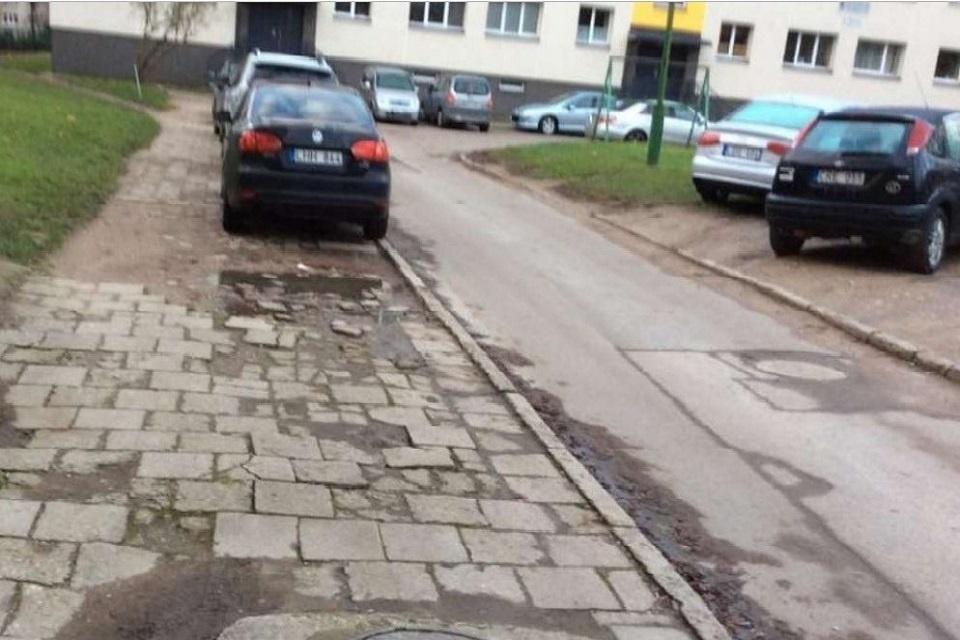 Daugiabučių kiemų rekonstrukcija: padaugės vietų automobiliams, sumažės medžių