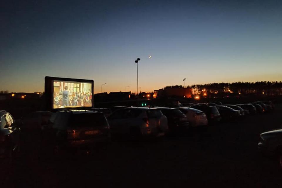 Jaunimas organizuoja nemokamą lauko kino seansą Klaipėdoje