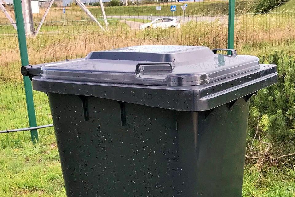 Toliau dalins konteinerius žaliosioms atliekoms