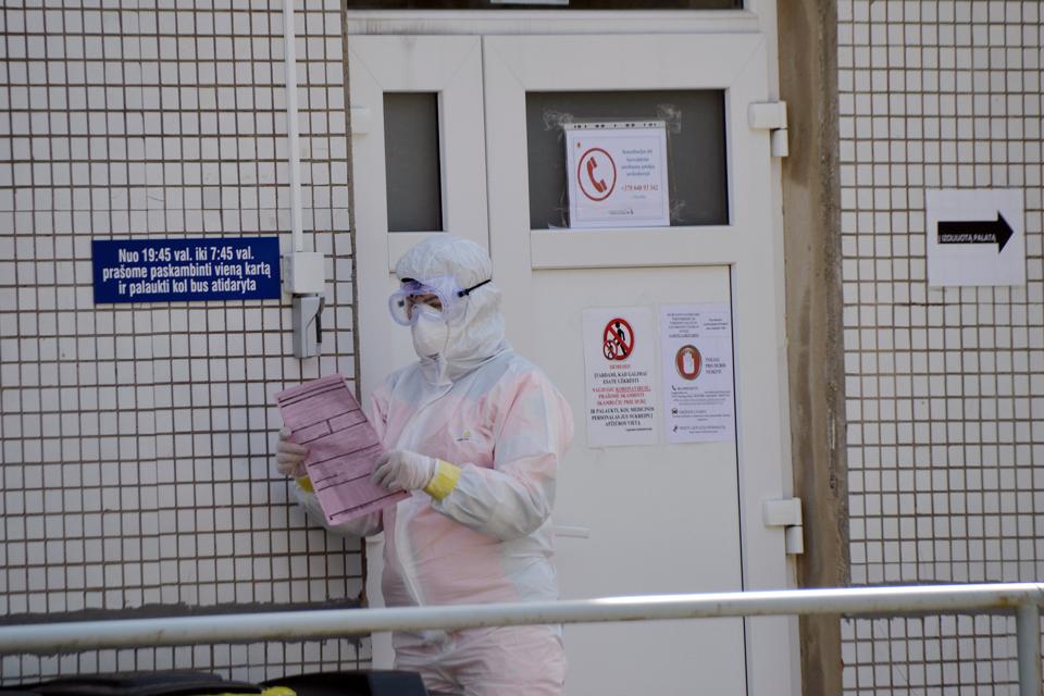 COVID-19 Klaipėdoje: susirgimai dviejose ligoninėse, mirtys ir hospiso bėdos