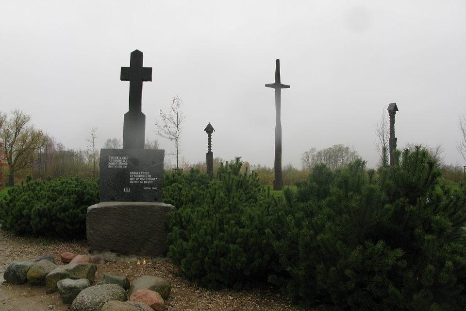 Kryžiai Sąjūdžio parke patinka ne visiems
