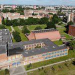 Nebereikalingi pastatai: universitetas toliau mažina kainas
