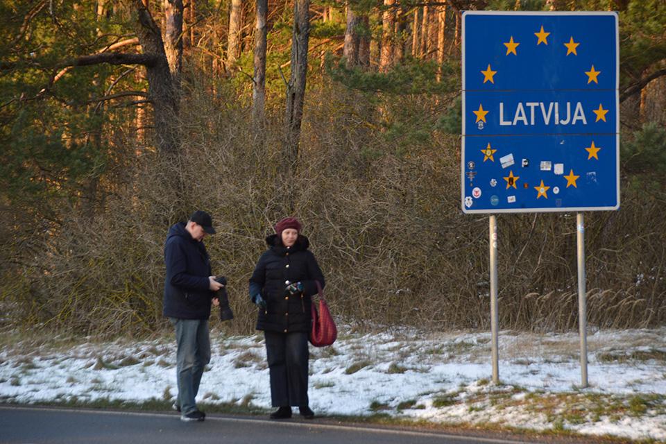 Vykstant į Latviją – dar griežtesni reikalavimai