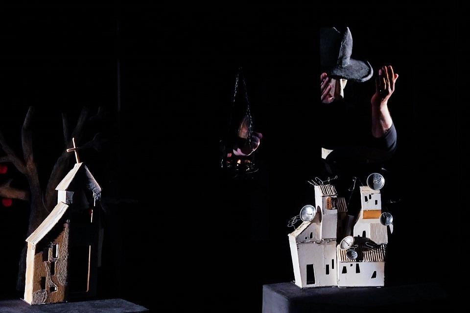 """Lėlių teatro """"Materia Magica"""" kūrėjai profesionalais užaugo Klaipėdoje"""
