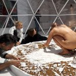 Šiuolaikinio meno mėnuo įsibėgėja: lervas keičia freska