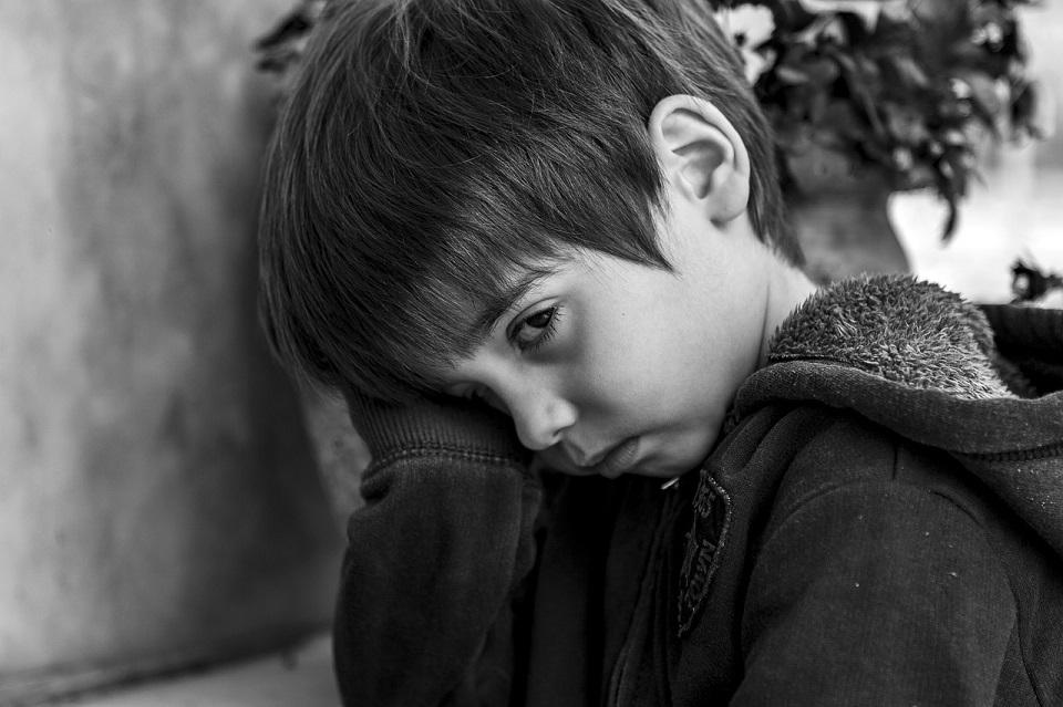 Kaip išgydyti girtaujančių tėvų vaikų nuoskaudas?