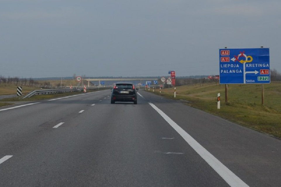 Remontuos kelio į Liepoją atkarpą