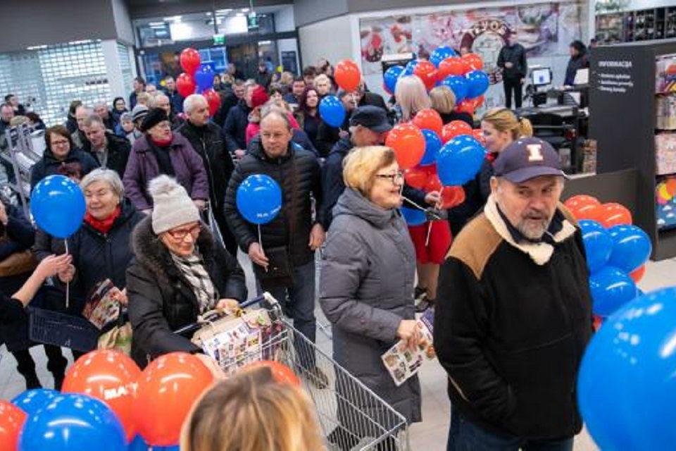 """Uostamiestyje atidaryta 15-ta """"Maximos"""" parduotuvė"""