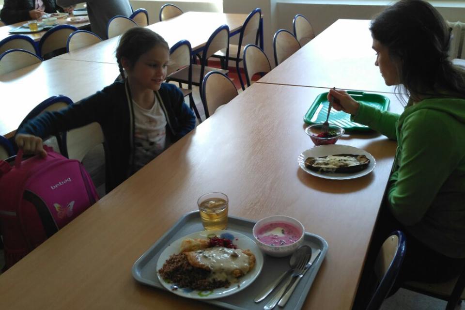Kviečia teikti prašymus nemokamam vaikų maitinimui