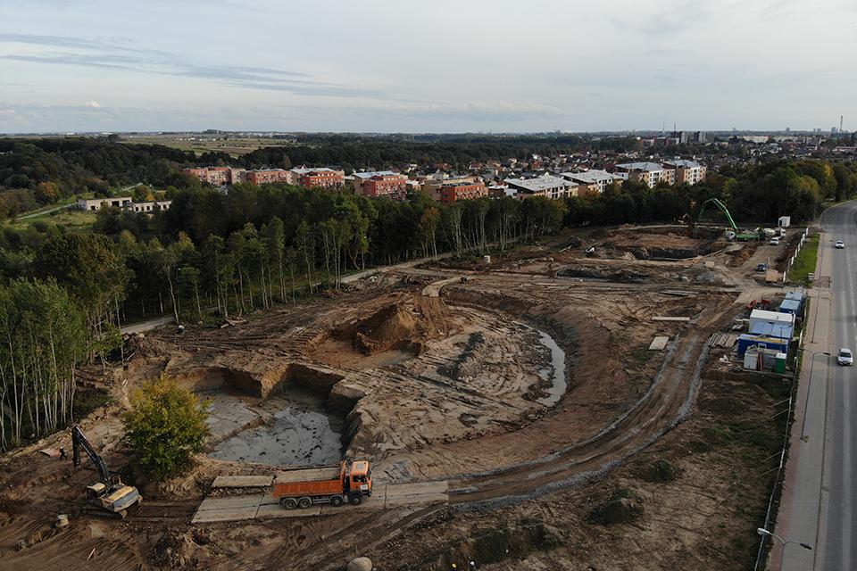Naujoji Klaipėdos mokykla: pasirodė pirmieji būsimo pastato požymiai
