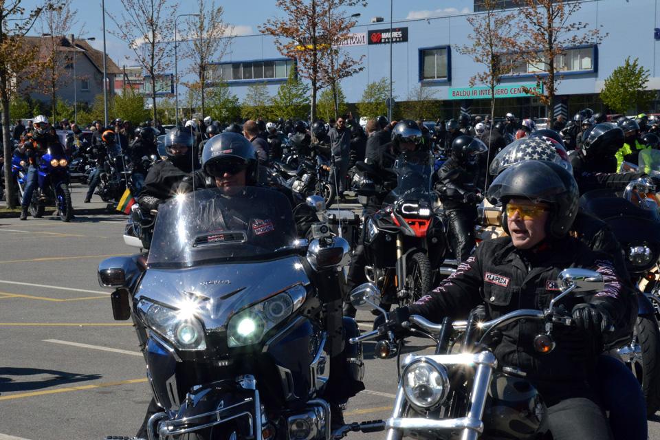 Motociklininkai atidarė sezoną