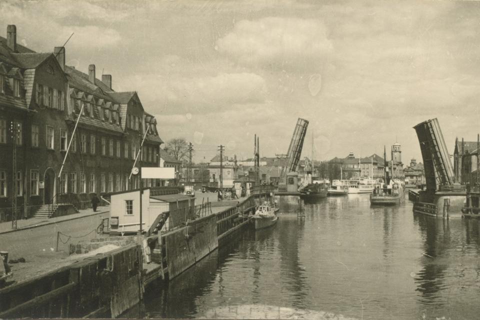 Pradingusioji Klaipėda: muitinė ir Karlo tiltas