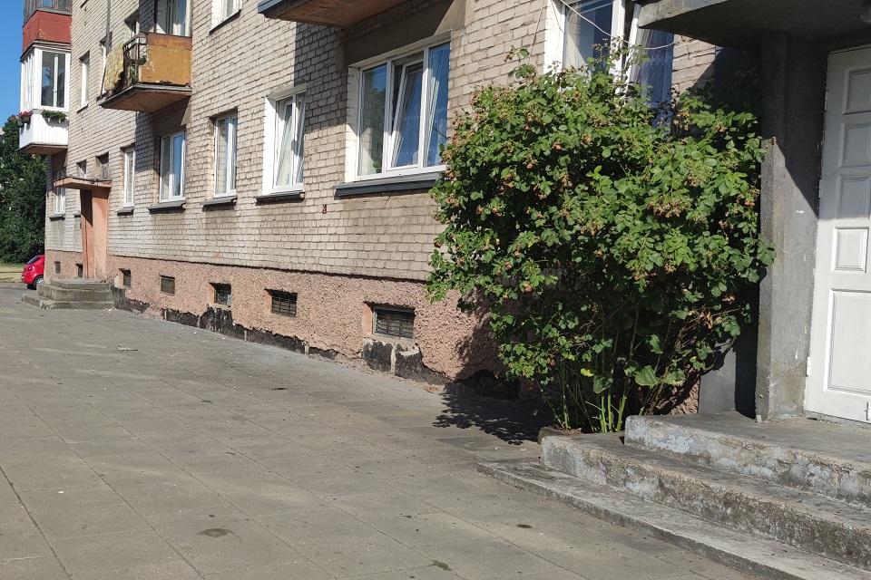 Klaipėdiečiai skundžiasi: kliūtis namo renovacijai – miesto tarybos narys