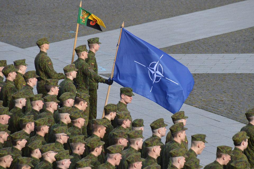Paminėjo 15-ąsias narystės NATO metines
