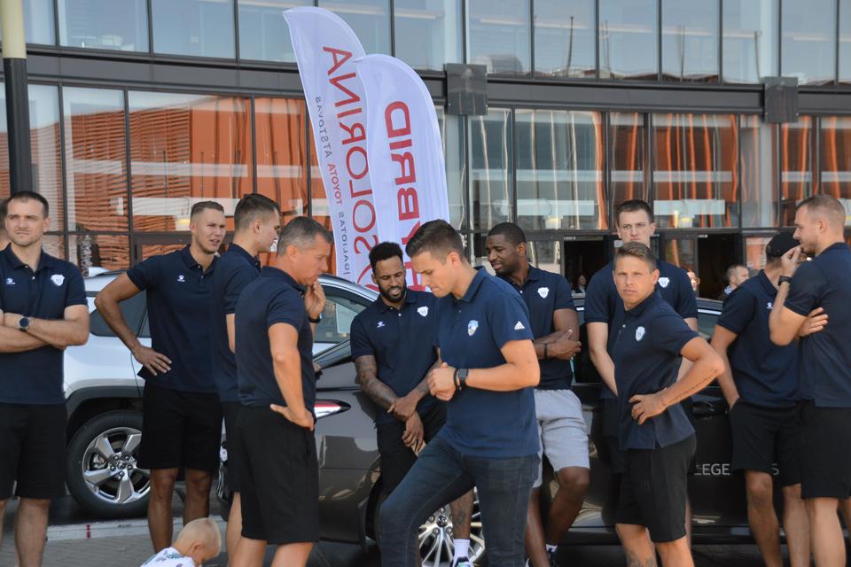 Klaipėdos krepšinio ekipos prisistatė sirgaliams