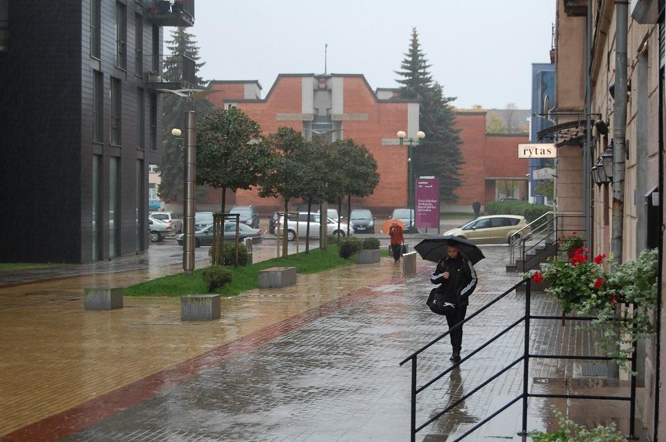 Grįžta lietuviškas pavasaris su vėju ir lietumi