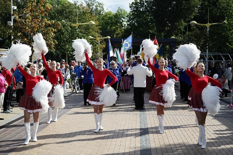 Palangos miestely renkasi liaudies muzikos ir šokių mylėtojai