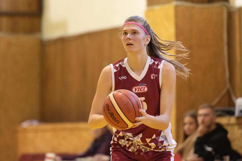 LCC krepšininkių gretas papildė Vestina Keburytė