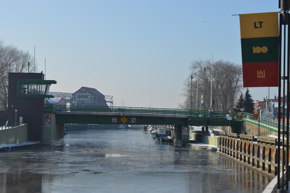 Pilies tiltas: valdžia nesusikalba