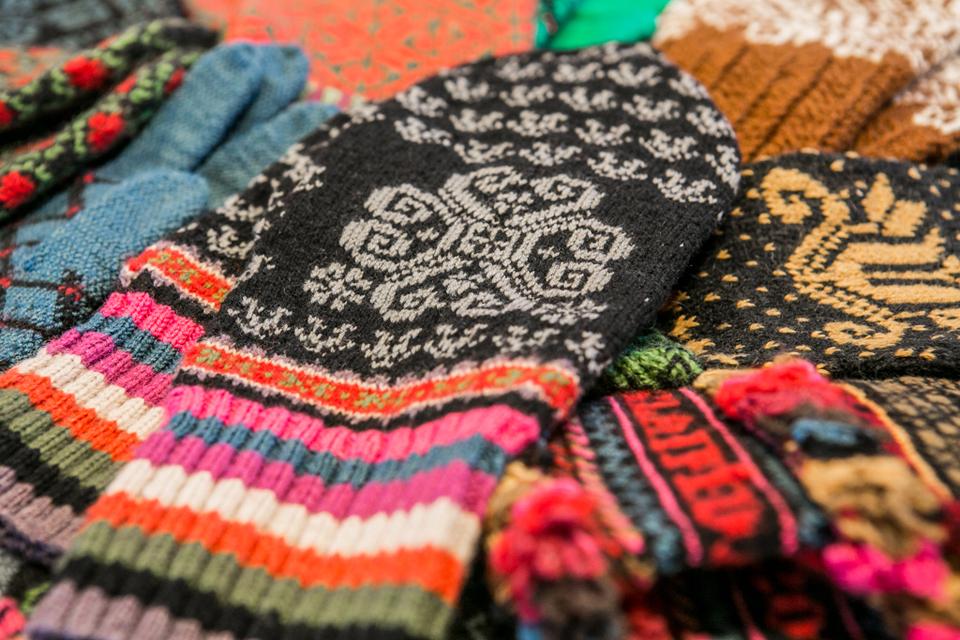 Vėl mokys megzti pirštines