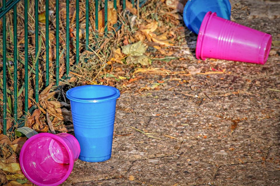 Savivaldybė ragina nenaudoti plastikinių indų