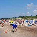 Perpildytuose paplūdimiuose - nuo karščio alpstantys ir pūslėmis apėję poilsiautojai
