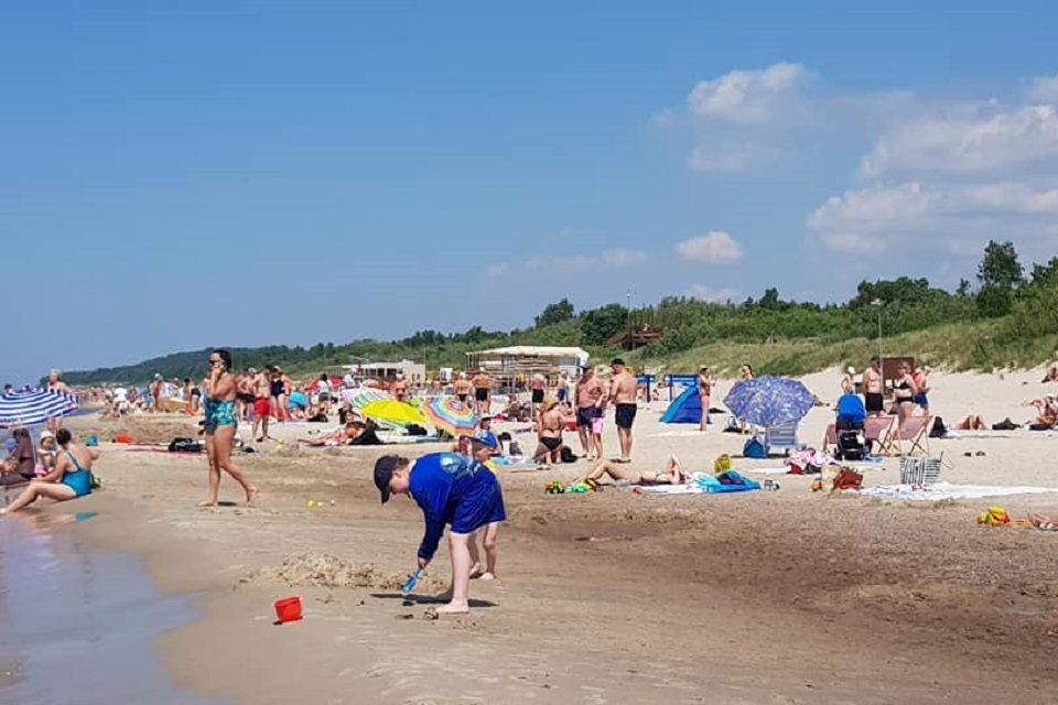 Perpildytuose paplūdimiuose – nuo karščio alpstantys ir pūslėmis apėję poilsiautojai