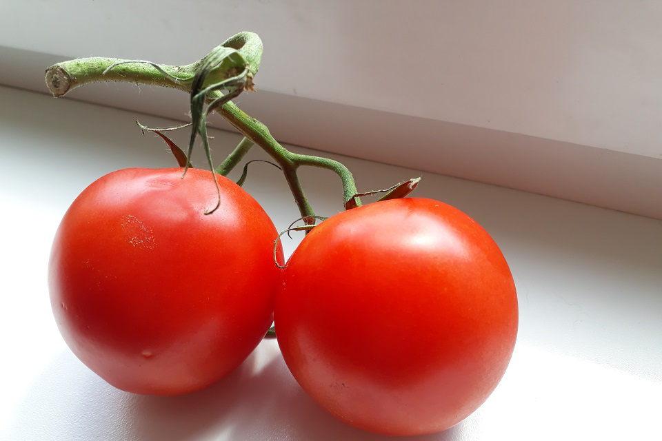 """Kiek pomidorų perki, tiek jų dovanoja """"Maisto bankui"""""""
