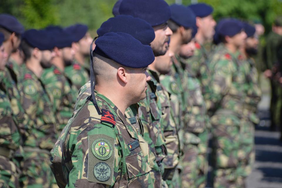 Iškilmingai sutiko portugalų karius