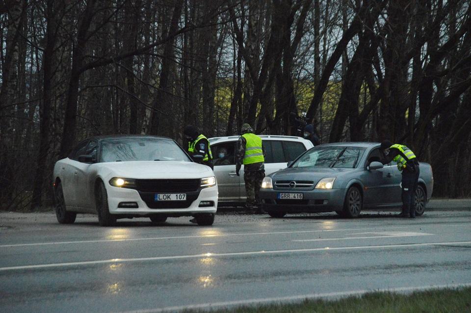 Policija: šeštadienį patikrintų ir neįleistų automobilių statistika