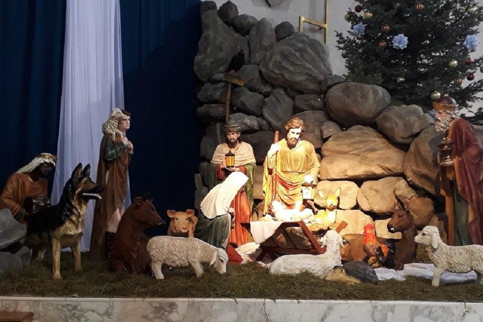 Kalėdinis klebono sveikinimas