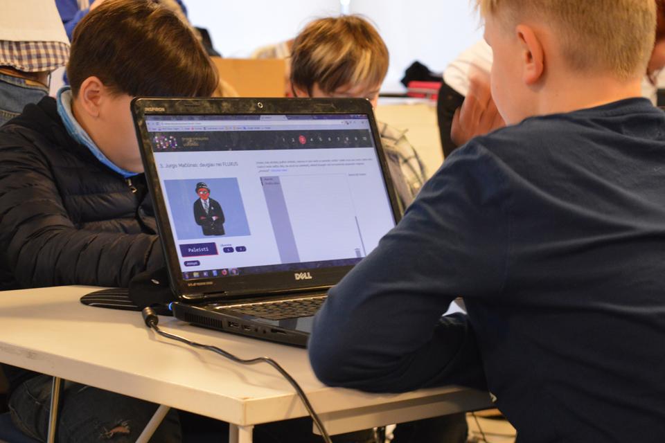 Nauji kompiuteriai – ir keturioms Klaipėdos progimnazijoms