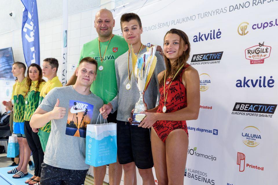 D. Rapšio taurės plaukimo varžybose – olimpiečio Dariaus Grigalionio šeimos triumfas