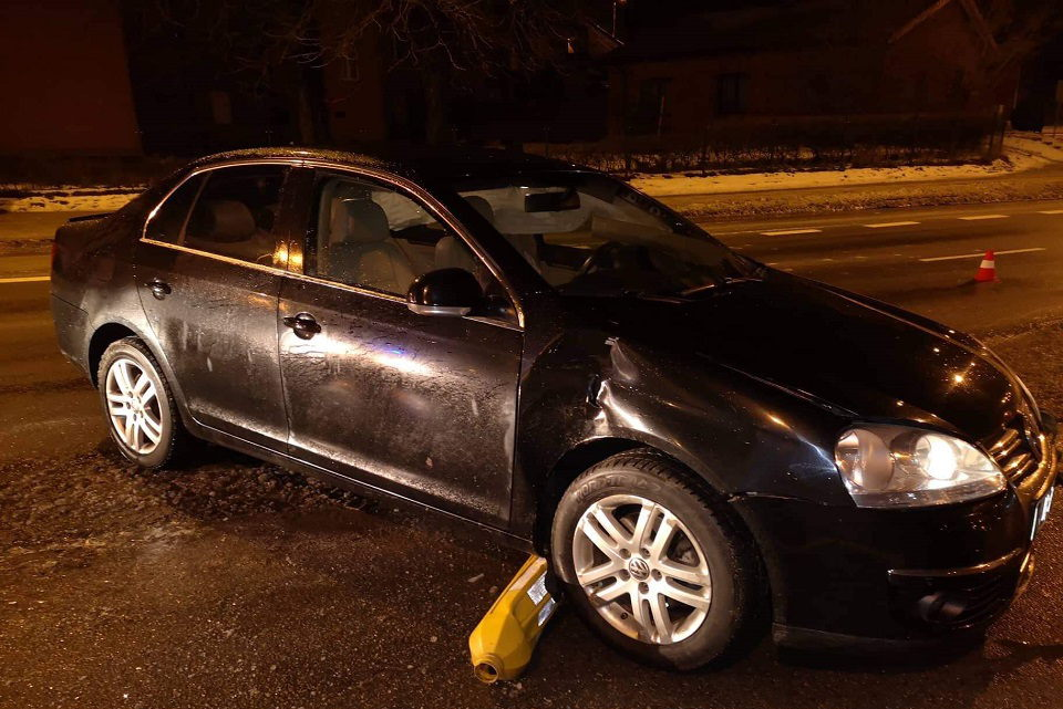 Šilutės rajone žuvo mergina, Klaipėdoje vairavo girti