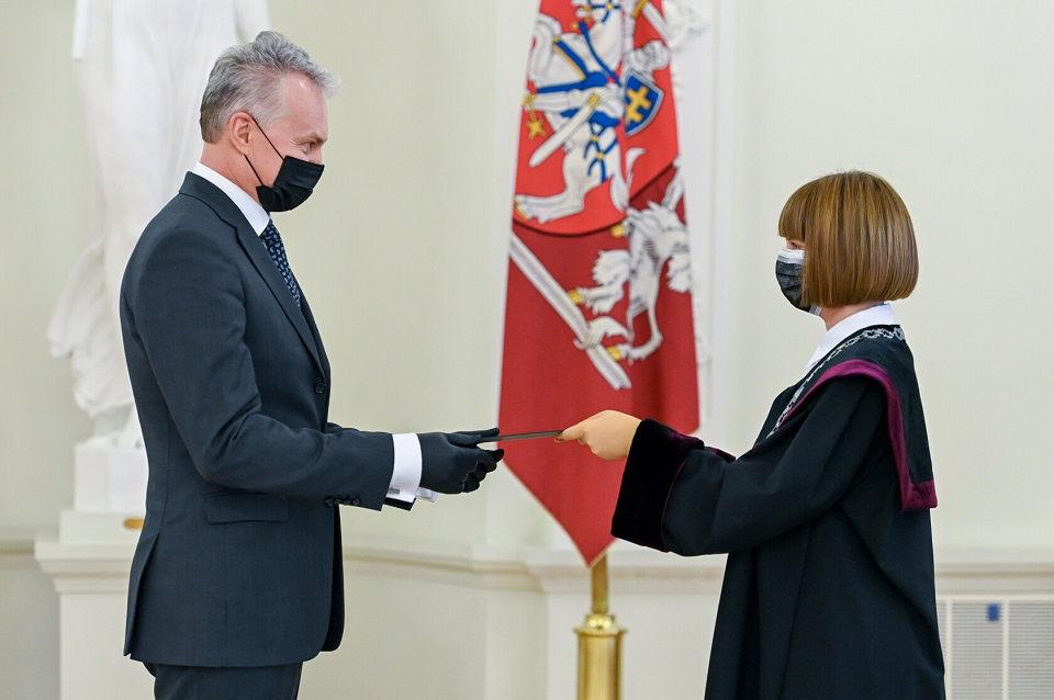 Prezidentūroje prisiekė  Klaipėdos miesto rūmų  teisėja