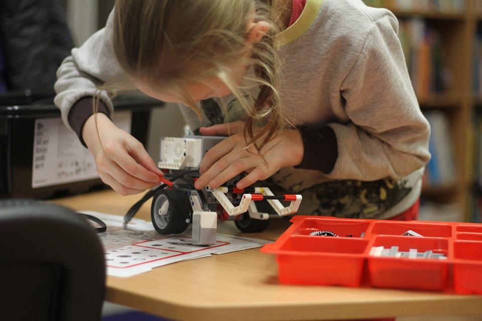 Bibliotekoje – robotikos užsiėmimai vaikams