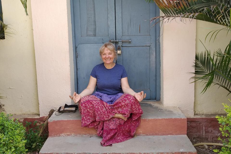 """Indijos užkampyje įstrigusi klaipėdietė: """"Nepanikuoju, bet neįsivaizduoju, kaip grįžti"""""""