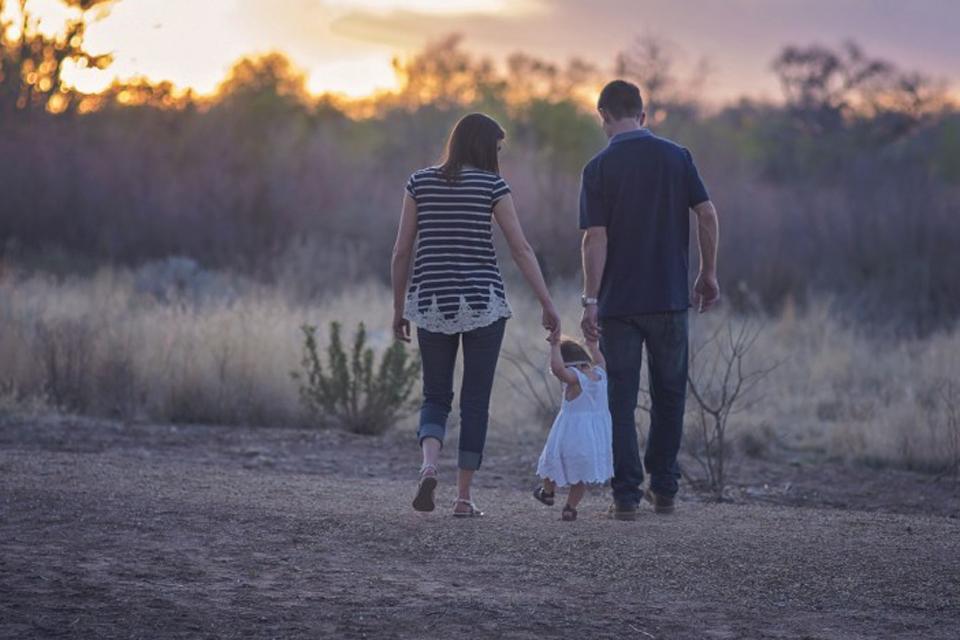 Jaunas šeimas į regionus vilios subsidijomis būstui