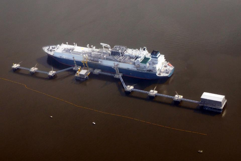 Pritarta SGD laivo-saugyklos pirkimui