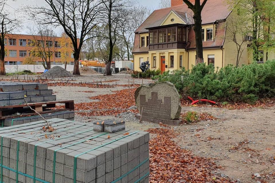 Skverą Klaipėdos centre rekonstruojantys statybininkai parengė ir dovaną