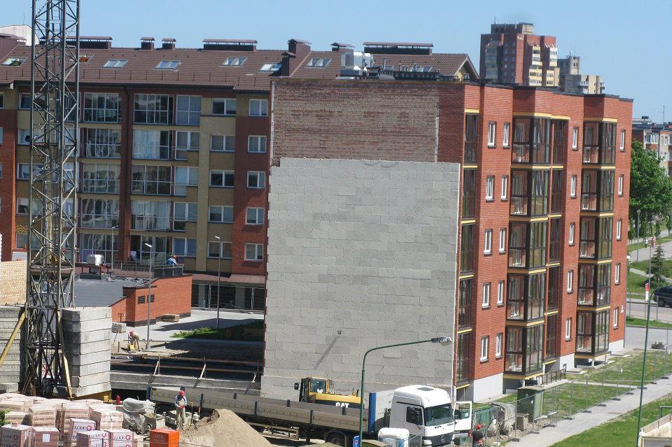 Klaipėdoje parduodama daugiau butų