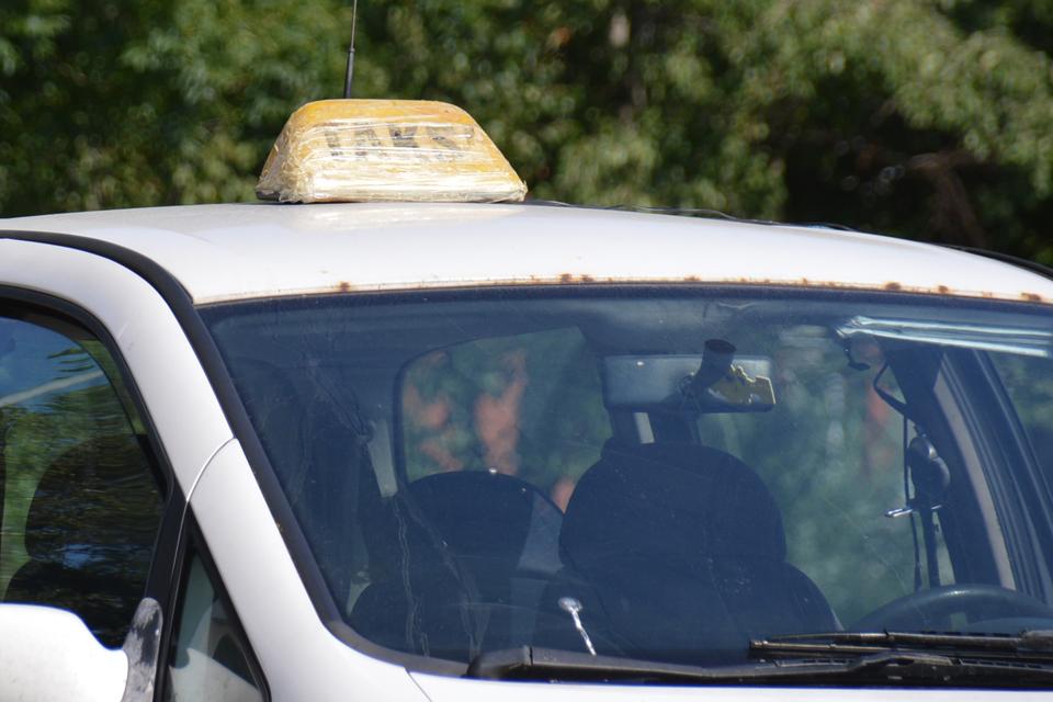 Nukentėjo du taksistai
